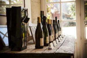 Read more about the article Visites guidées dans le vignoble, au chai et dégustation
